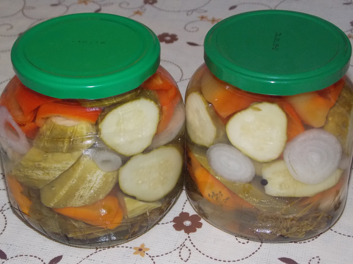 Как сделать овощное ассорти на зиму