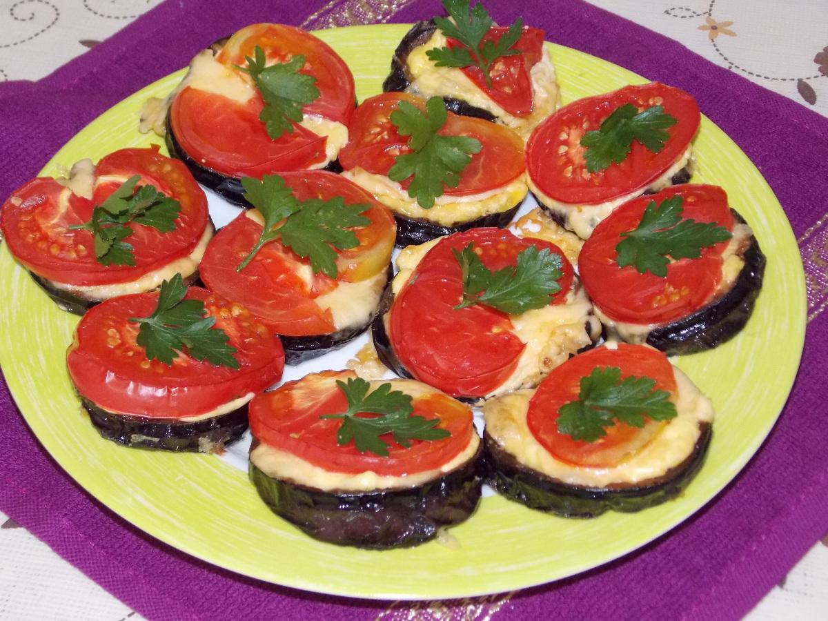 Пицца с колбасой, сыром и помидорами рецепт с фото пошагово 95
