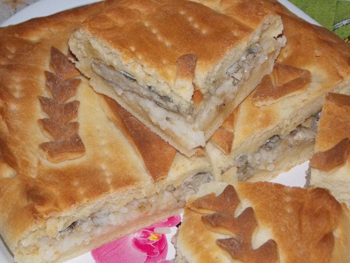 Рецепт пирога с мойвой с пошагово