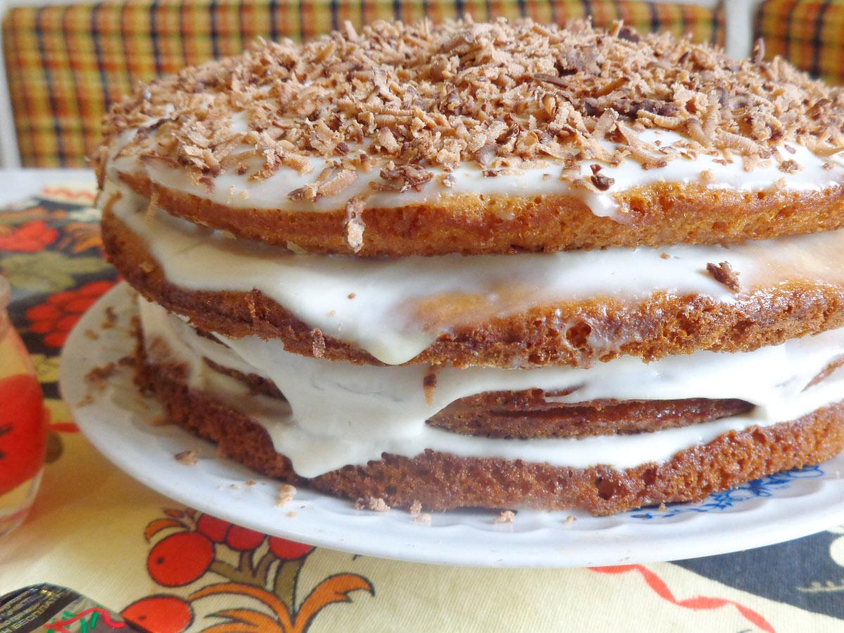 Торт сметанный из готовых бисквитных коржей рецепт 89