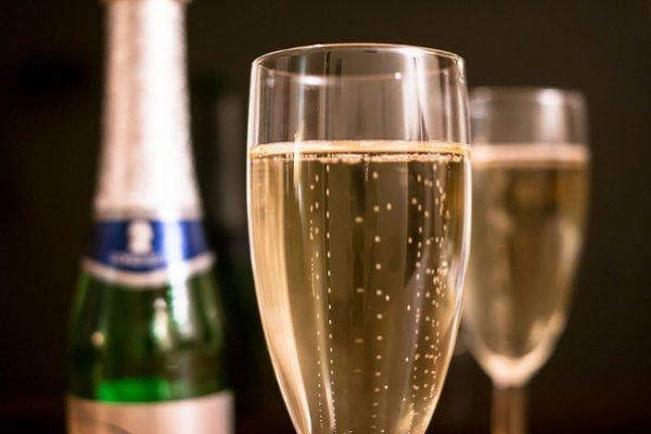 Как пить и не пьянеть в новогоднюю ночь?