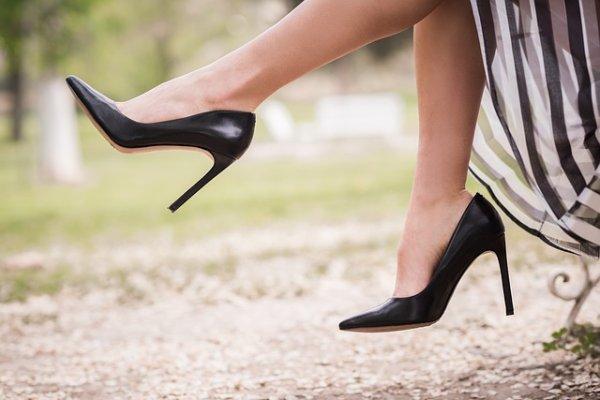 Сколько нужно пар обуви женщине для счастья