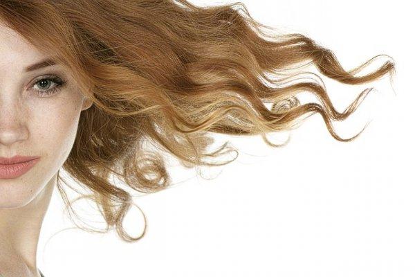 Можно ли выпрямить волосы с помощью подручных средств?