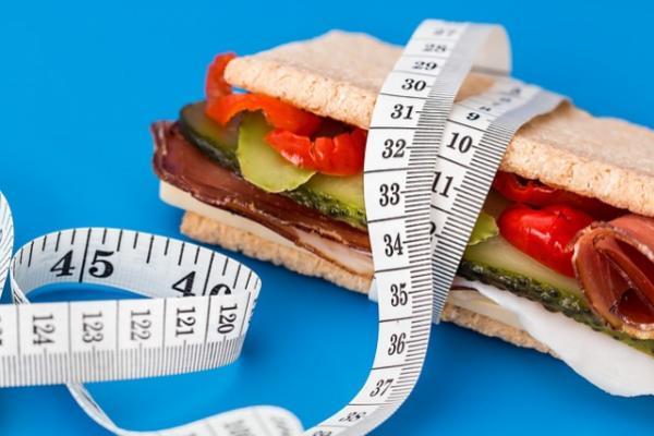 Десять продуктов, несовместимых с диетой