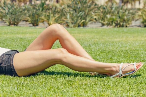 Уход за любимыми ножками в летний период