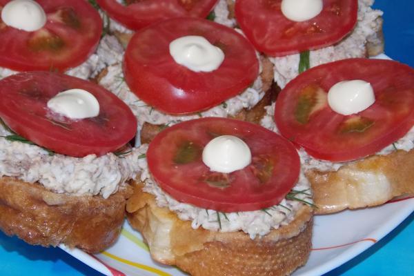 Бутерброды с рыбным паштетом