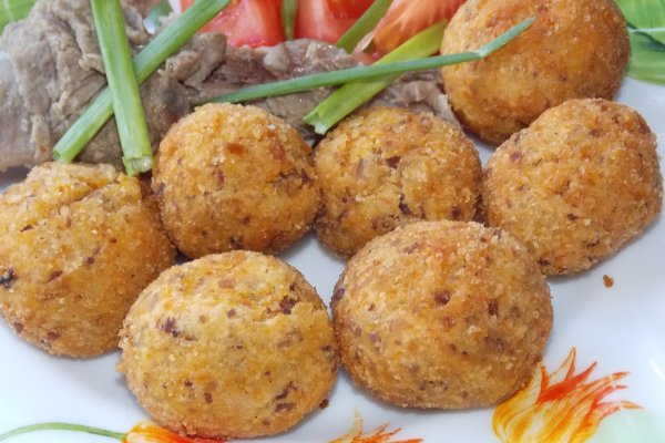 Картофельные шарики с фасолью