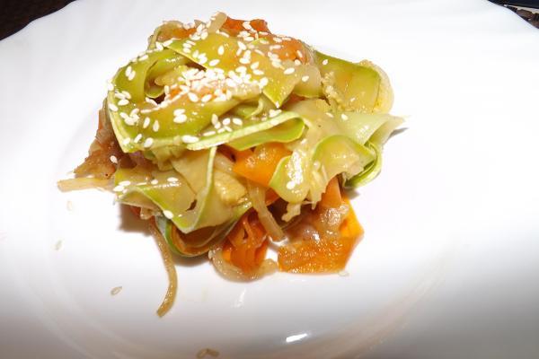 Овощная паста с соусом Карбонара
