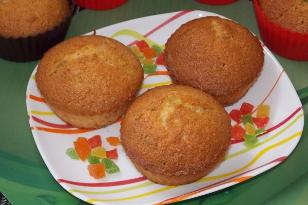 Манные кексы с цукатами