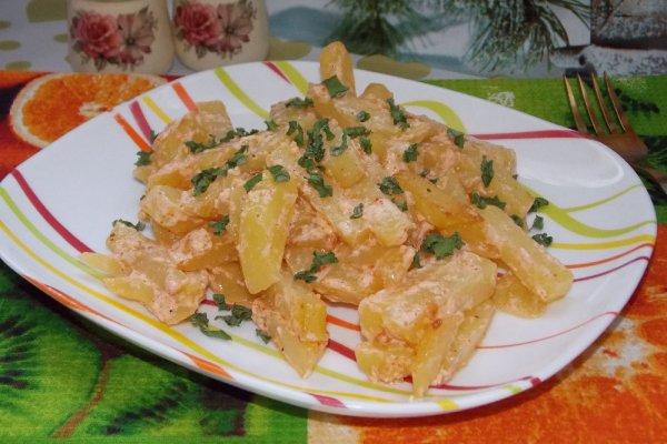 Картошка в сметане на сковороде - рецепт пошаговый с фото