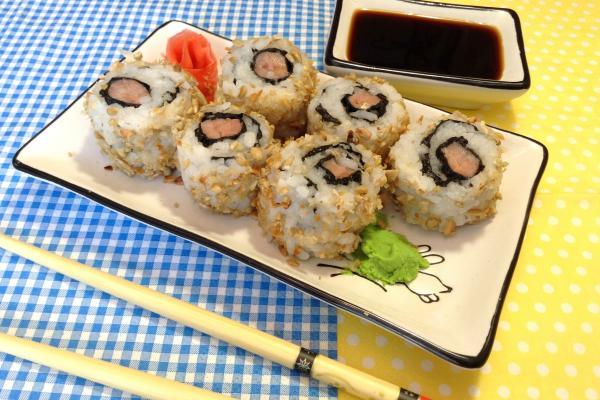 Домашние суши: вывернутые роллы с горбушей и семечками