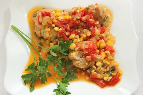 Курятина с кукурузой и овощами