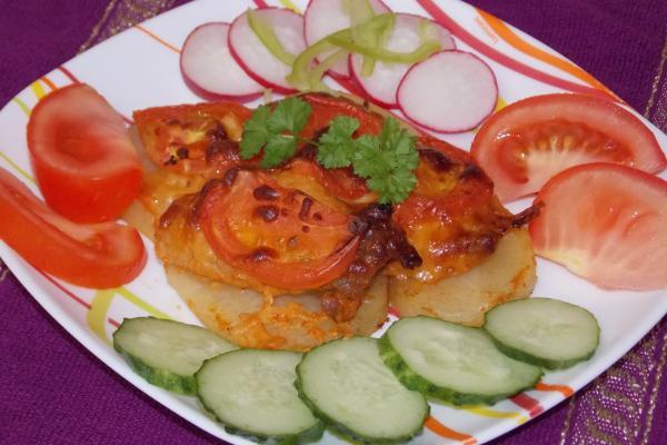 Свинина с картошкой под сыром в духовке