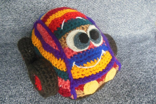 Вяжем мягкую игрушку «Машинка» крючком