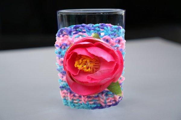 Вяжем чехол для стакана на спицах