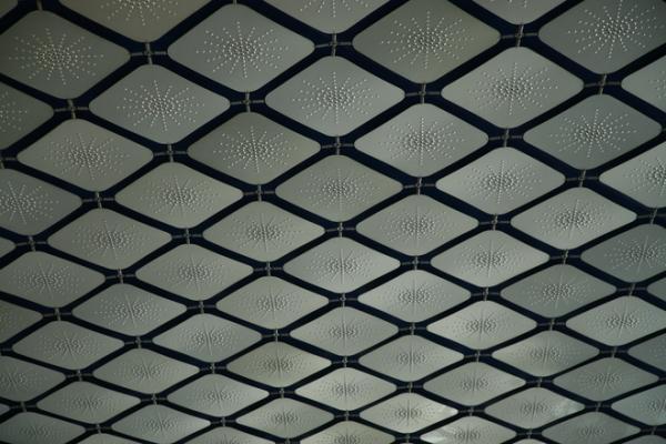 Практические советы по оформлению потолка