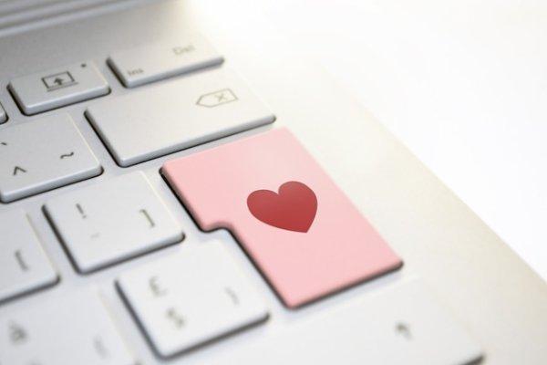Стоит ли искать свою вторую половинку в Интернете?
