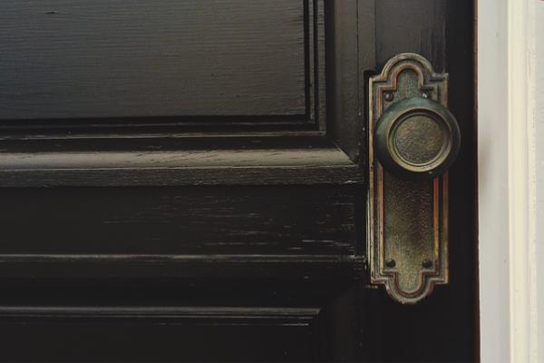 Учимся реставрировать межкомнатные двери