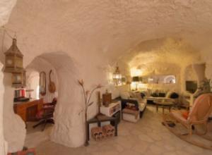 Недвижимости в Испании: дома в пещерах
