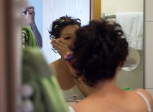Как замаскировать свой недосып при помощи макияжа?