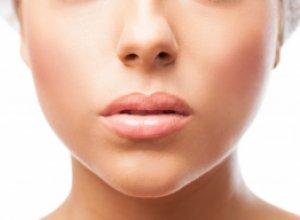 Способы борьбы с постоянно трескающимися зимой губами