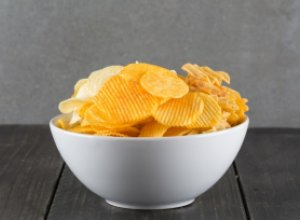 Почему сухарики и чипсы считаются вредными продуктами?