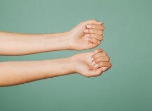 Как отучиться от привычки грызть ногти?