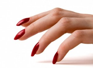 Вредно ли постоянно носить наращенные ногти?