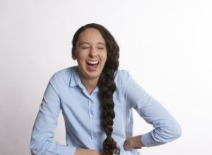 Смех без причины — признак здоровья?