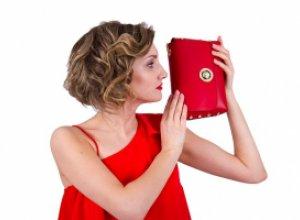Что должно быть в сумочке у каждой девушки?