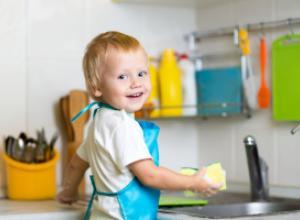 Как приучить ребенка к домашним обязанностям