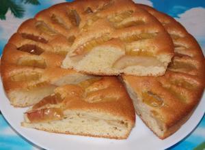 Яблочный пирог с добавлением манки