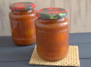 Консервированные помидоры в заливке из тыквы и овощей