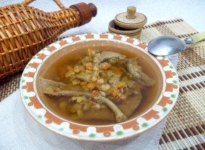 Гороховый суп с сушеными белыми грибами