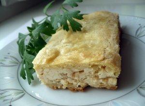 Пирог с плавленым сыром и луком