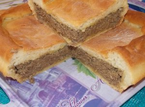 Пирог с печенью из дрожжевого теста на майонезе