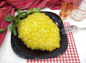 Салат «Тиффани» с курицей, сыром и виноградом