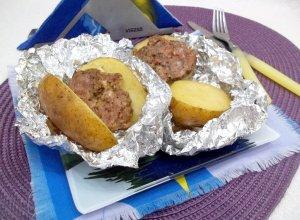 Картошка в фольге с мясным фаршем