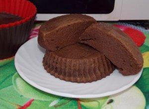 Диетический шоколадно-творожный пудинг в микроволновке