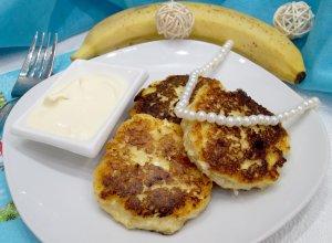 Сырники из творога с мукой и бананом