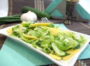 Зеленый салат с сыром