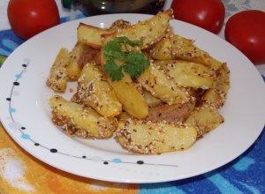 Картофель в кунжуте, запеченный в духовке