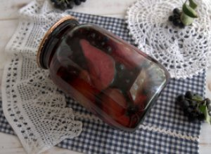 Компот из груш и черноплодной рябины на зиму