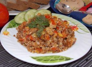 Ароматная гречка с мясом и овощами в мультиварке