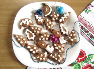 Новогоднее шоколадное печенье с глазурью