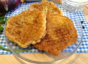 Бризоли со свининой и красным луком