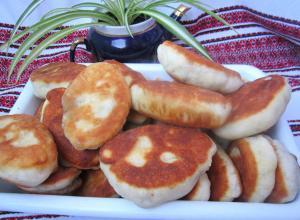 Жареные пирожки с мясом на кефире