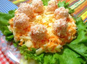 Салат с шариками из крабовых палочек