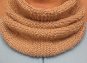 Вяжем шарф-снуд с поперечным узором