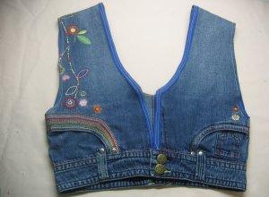 Как сделать коттоновый жилет с вышивкой из старых джинсов